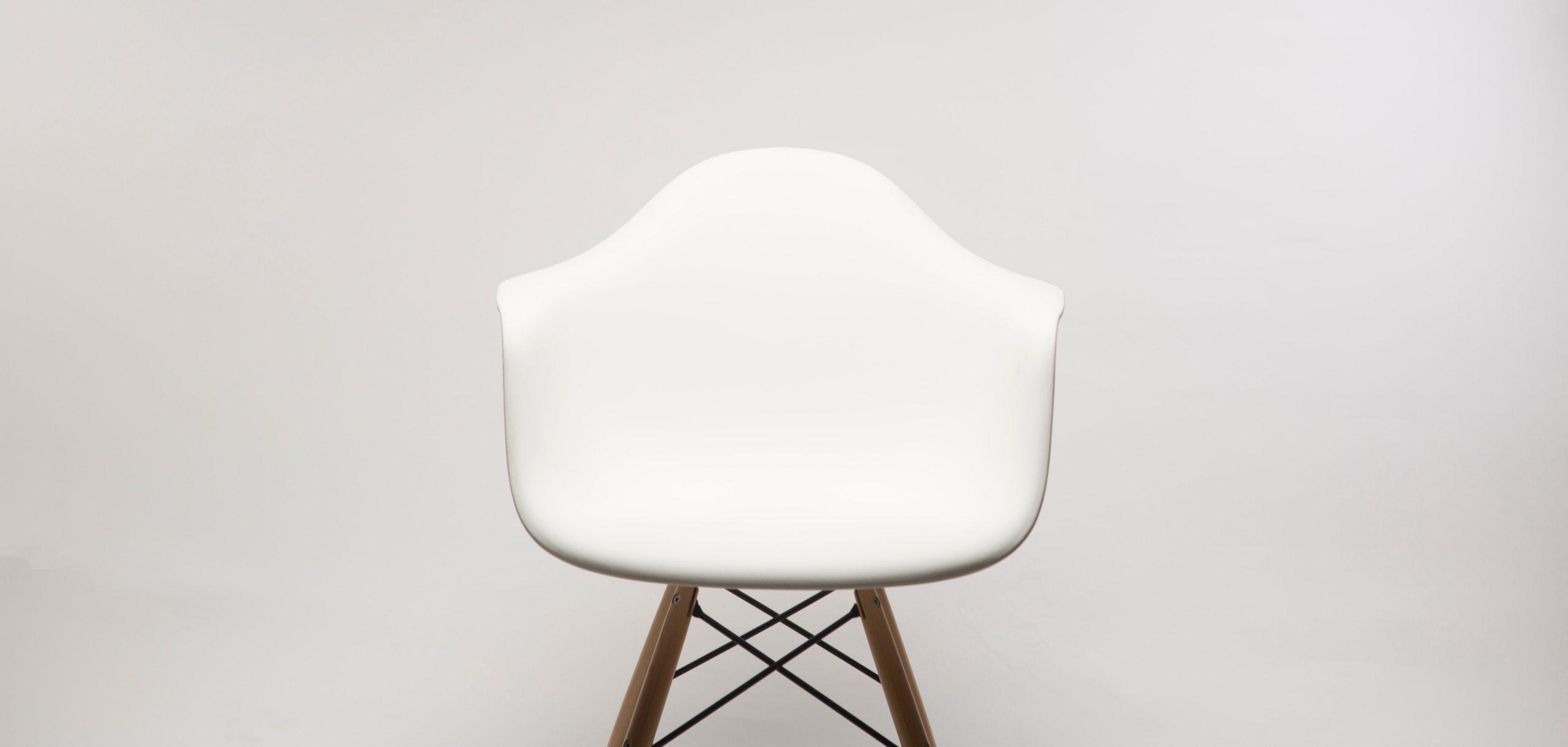 Paged – drewniane krzesła z charakterem